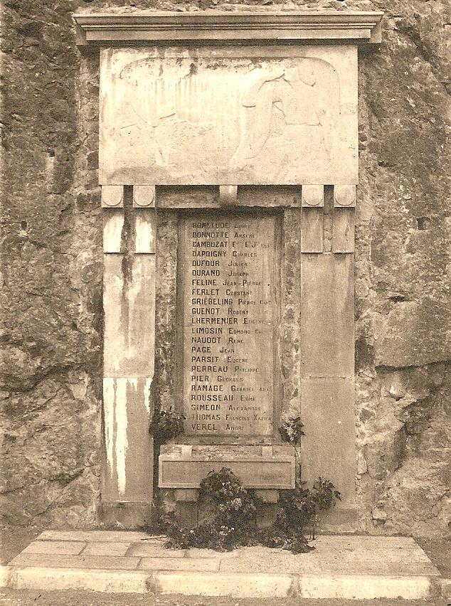 monument-aux-morts-armes