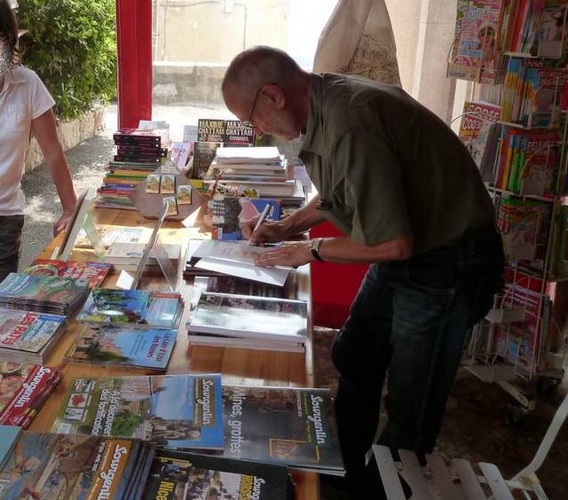 Alex Benvenuto dédicace ses livres
